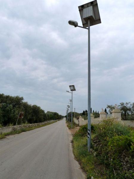 Illuminazione da giardino a pannelli solari lampade e - Lampioni da giardino fotovoltaici ...