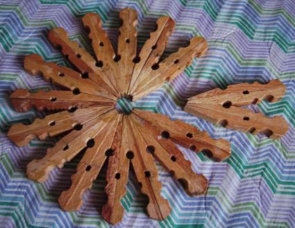 Come creare decorazioni natalizie e addobbi riciclando - Oggetti in legno per la casa ...