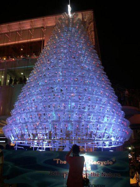 Albero Di Natale Ecologico.Albero Di Natale Di Plastica Riciclata Da Pietra Ligure A Sidney