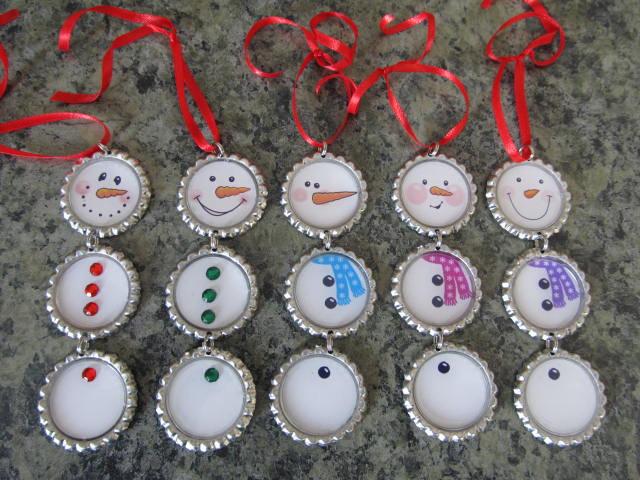 Come creare decorazioni natalizie e addobbi riciclando - Decorazioni natalizie con materiale riciclato ...