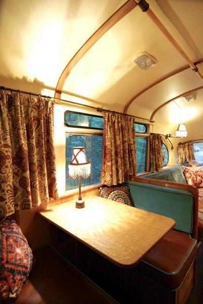 Maine bus l 39 autobus diventa una casa mobile for Arredamento camper