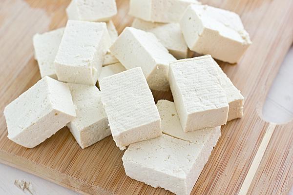 Tofu: che cos'è, proprietà e benefici