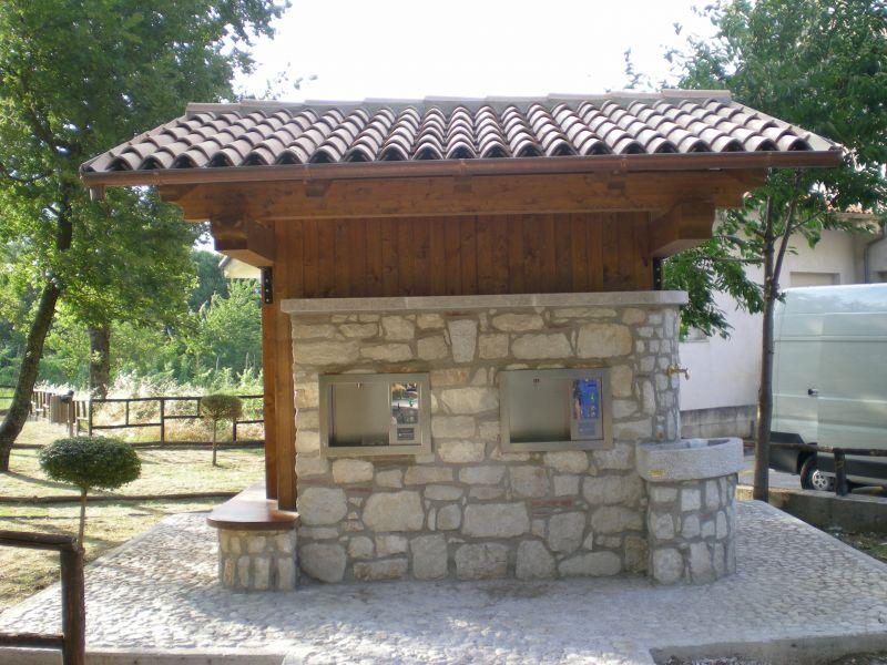 Risparmiare e socializzare grazie alle case e ai chioschi for Casa in legno o muratura