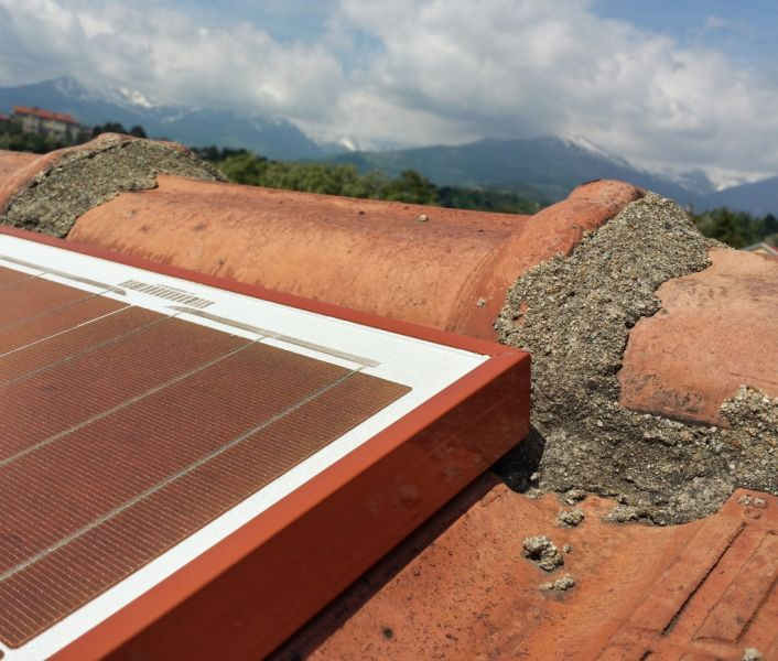Nuovi pannelli fotovoltaici si 39 mimetizzano 39 e si colorano in base all 39 ambiente - Finestre con pannelli solari ...