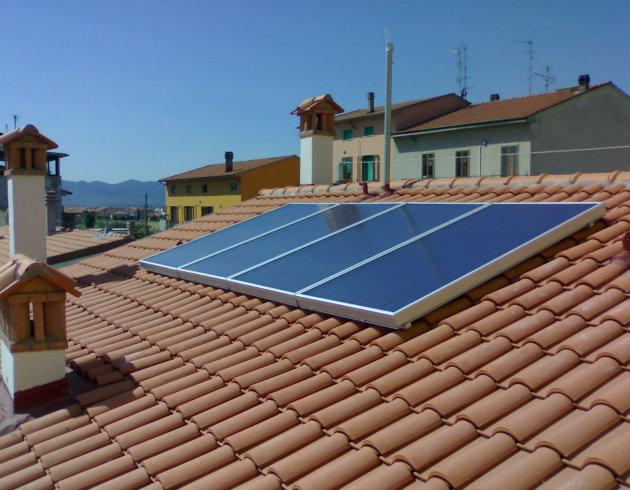Fotovoltaico e solare termico principali caratteristiche for Pannelli solari immagini