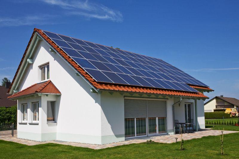 Pannello Solare Per Uso Domestico : I costi del fotovoltaico tutto ciò che c è da sapere sui