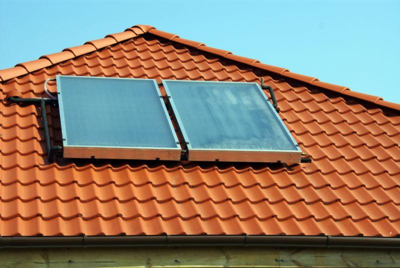 Pannello Solare Termico Integrato : Differenze vantaggi e svantaggi tra i pannelli termici