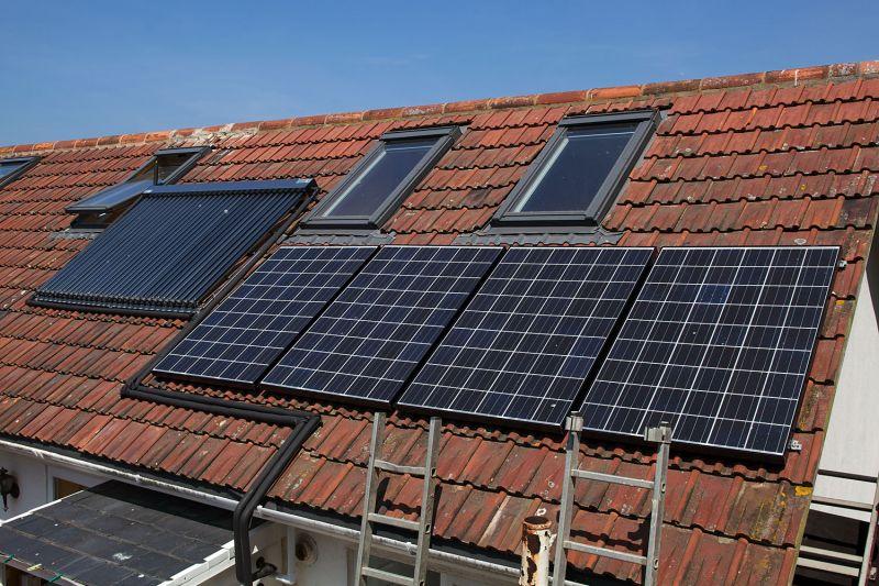 Pannello Solare Per Tetto Auto : I impianti fotovoltaici sui tetti di siracusa per